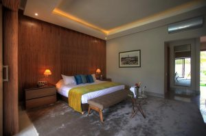 Premium Suite with private heated pool and private garden