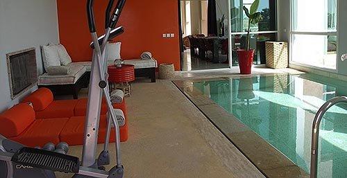 Indendørs swimmingpool