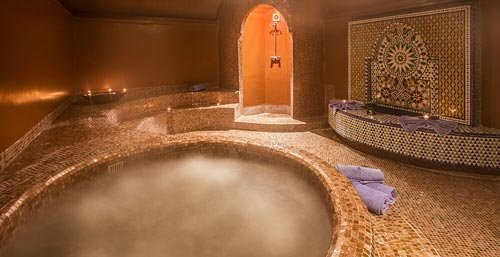 MOROCCAN TRADITIONAL HAMMAM AND JACUZZI