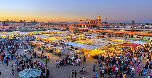 Transfers van de rondreis door de stad / medina